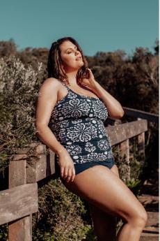 Genevieve Swimwear Henna Scoop Neck Non Underwire Tankini Top (Grey/Navy/White)